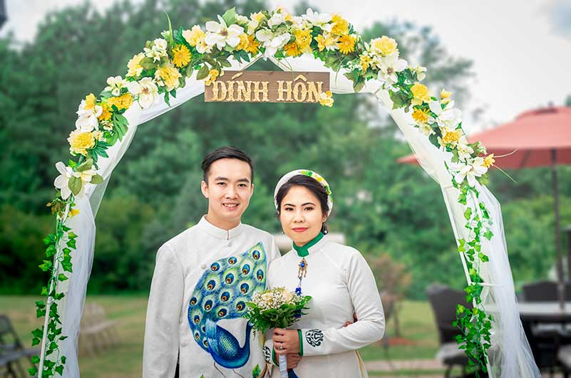 Formal Asian Wedding portrait